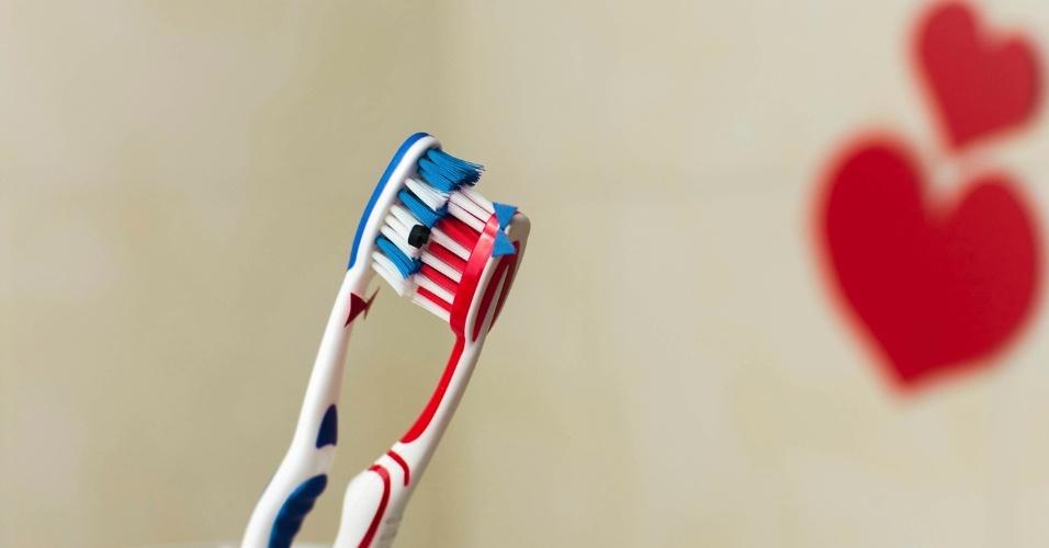 juntar-as-escovas-de-dente-1471616987942_956x500